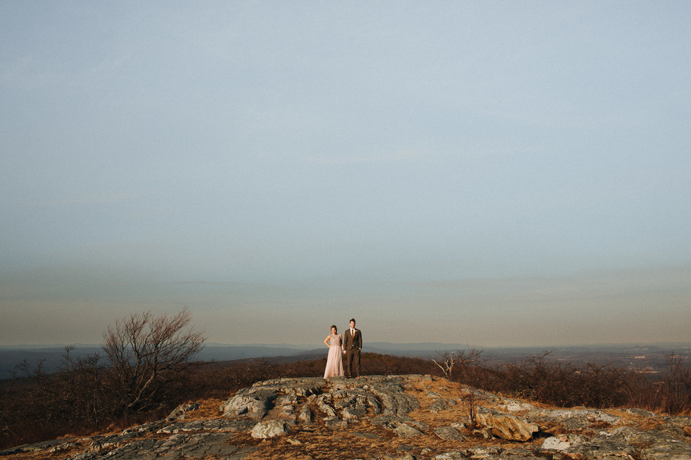 Mountaintop wedding at Cedar Lakes Estate with Heart & Dash and The More We See