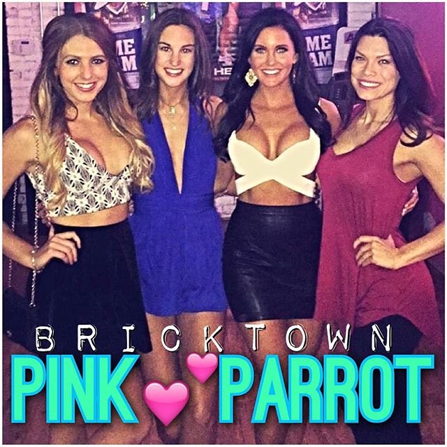 It's time to pre-party for #Halloween at your favorite neighborhood bar in Bricktown! Doors open at 7pm &&&& the 🕸🎃spooky fun starts shortly after! Grab a drink from one of our #PINK 💕 Girls &&& don't forget your snack from our kitchen, open until LAST😎CALL! Need reservations?! Call us! 602.1771 #pinkparrotokc @pinkparrotokc