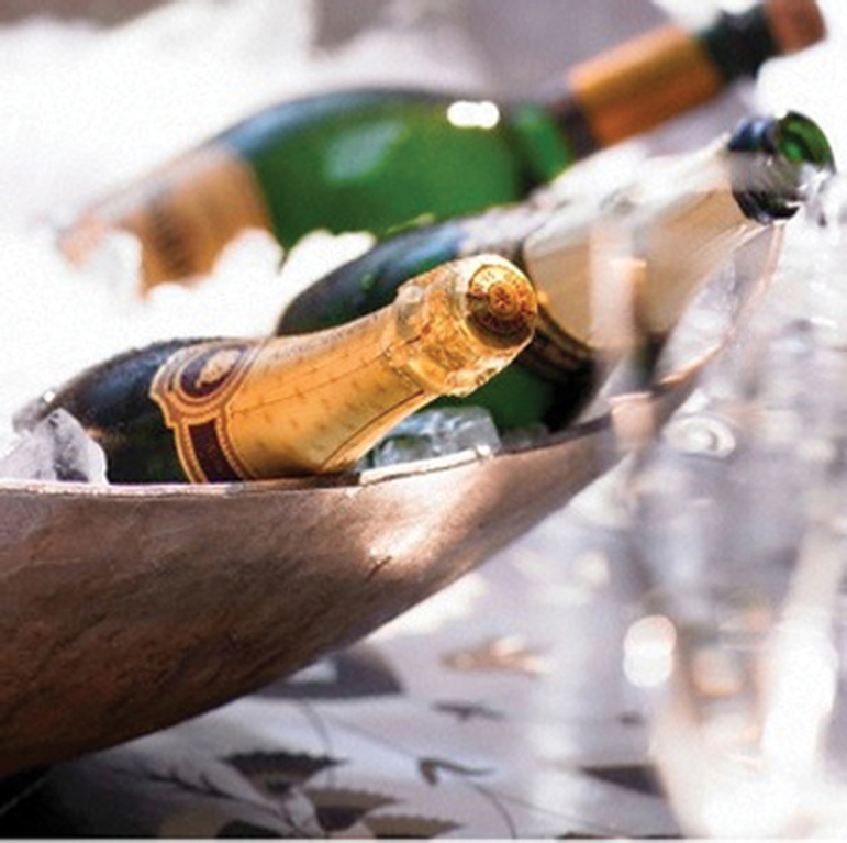 CELEBRATE LIFE TO THE FULLEST WITH YOUR FAVORITE BOTTLE OF BUBBLY.  WE SOURCE LIQUOR AND WINE FROM AROUND THE WORLD AND DELIVER TO WHEREVER YOU ARE IN THE BAHAMAS.