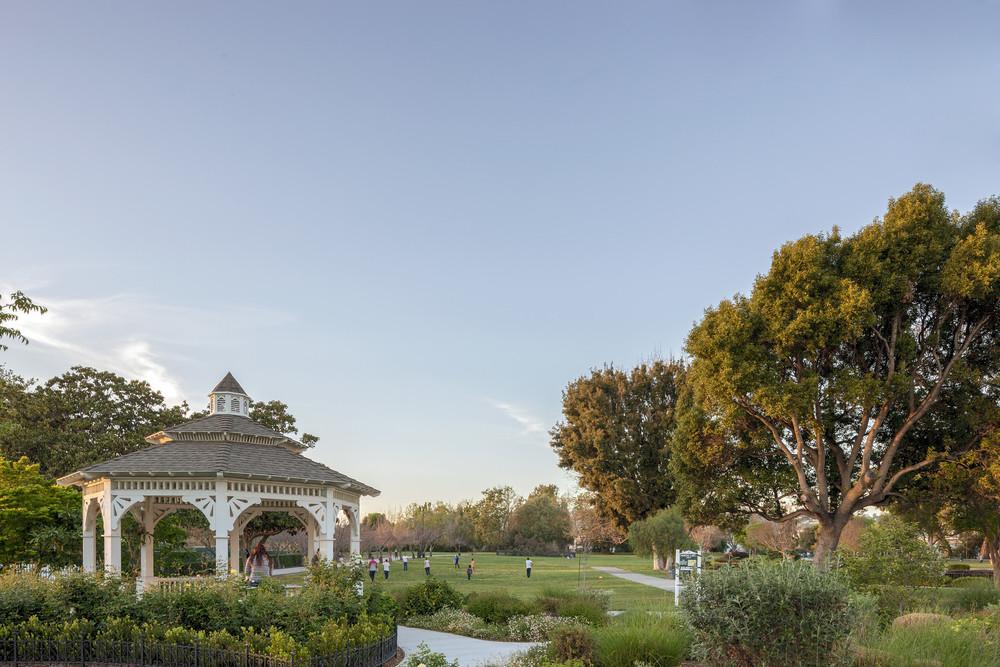 240 Hampton Rd., Hayward, CA - *1869 - Meek Park