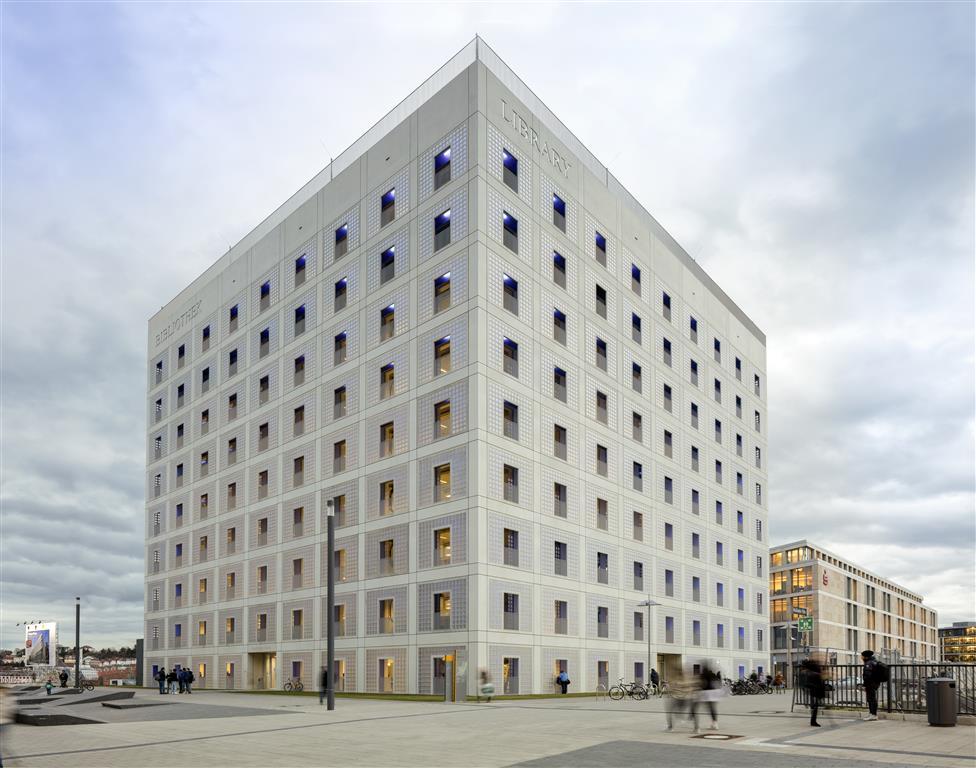 Stuttgart City Library - Christian Klugmann (4).jpg