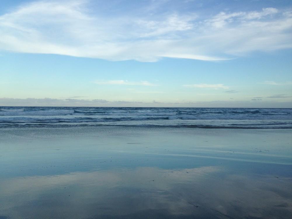 BEACH AT ROBINA, QUEENSLAND, AUSTRALIA