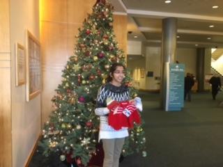 Making a donation at Washington Hospital during Christmas 2016