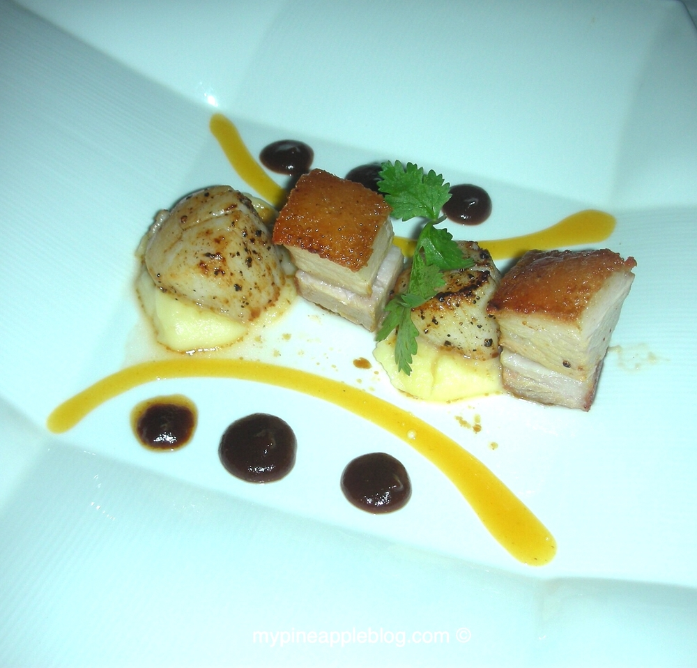 Deep sea scallops with confit pork belly at Samaya Breeze