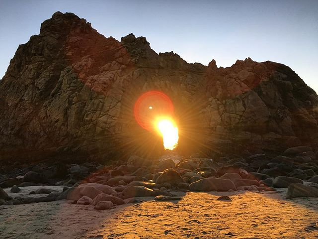 Let's think of a song on the sun in keyhole phenomenon at pfeiffer beach, California! #pfeifferbeach #california #bigsur #instagram #instapic #songs #naturelovers