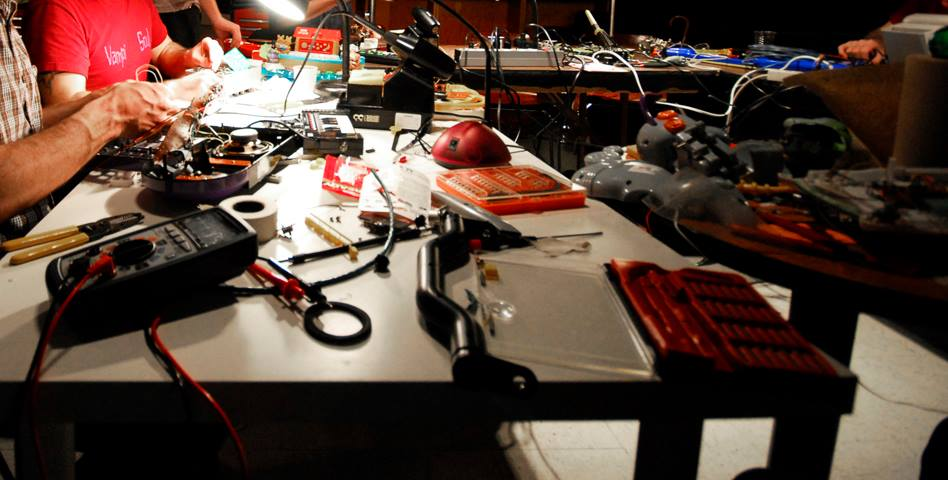 glitch-synth-circuit-bending-6.jpg