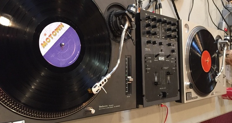 learn-how-to-dj-with-vinyl-workishop.jpg