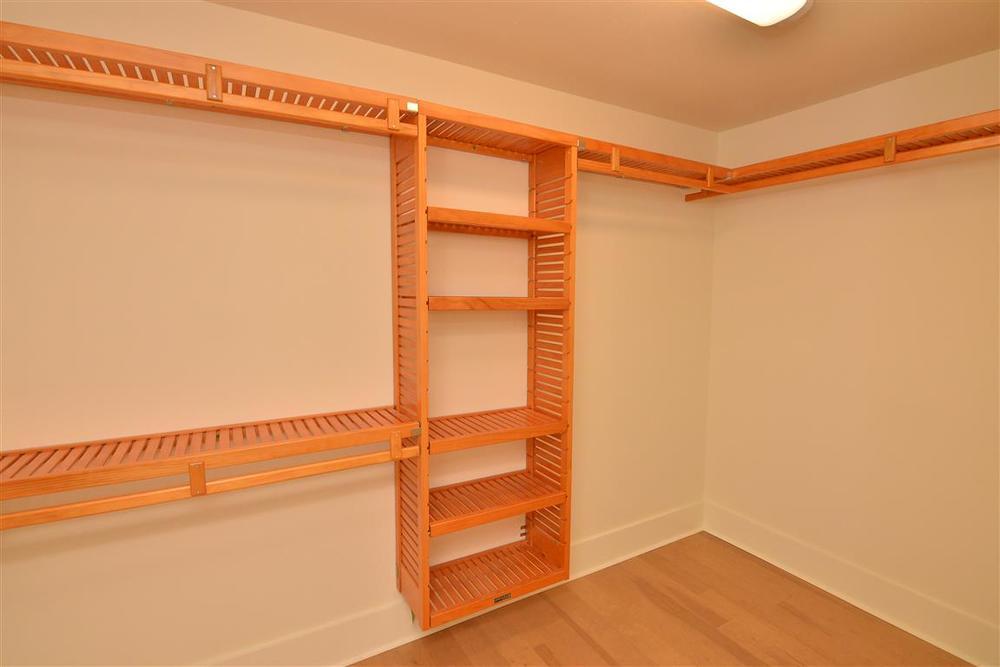 1265 closet