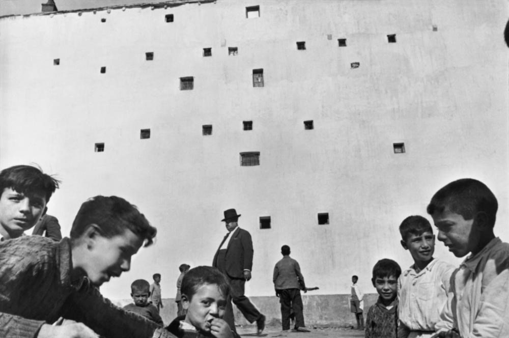 (c) Henri Cartier Bresson.