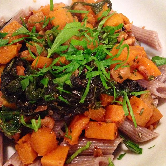 Sunday night dinner:  Buckwheat penne with caramelized onion, butternut squash, apple, sage, rosemary, and walnuts.  #foodwithmelinda #nutsandboltsbrooklyn #local #seasonal #plantbased #vegan #glutenfree #butternutsquash #apples #rosemary #sage #buckwheat #walnuts #personalchef #catering