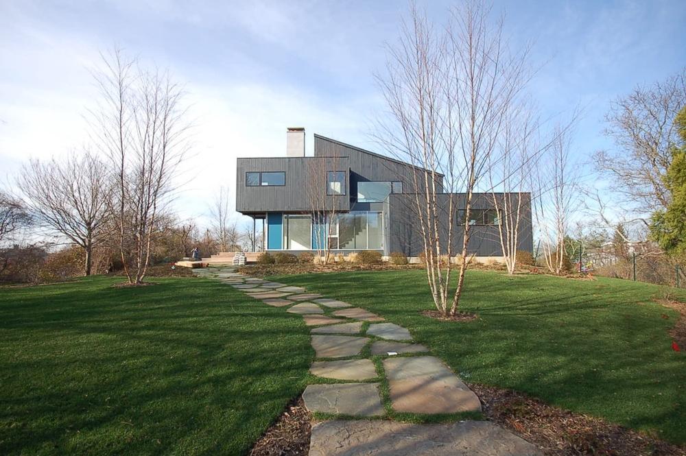 montauk beach house - entrance view