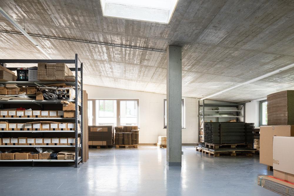LAGER –Warehouse