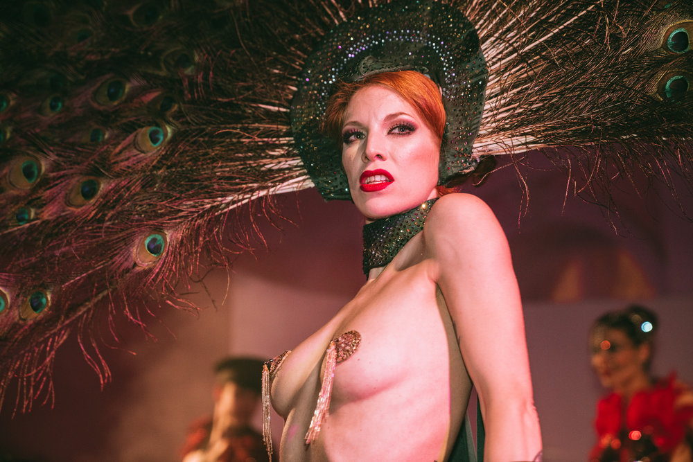 Kalinka Kalaschnikow, burlesque dancer
