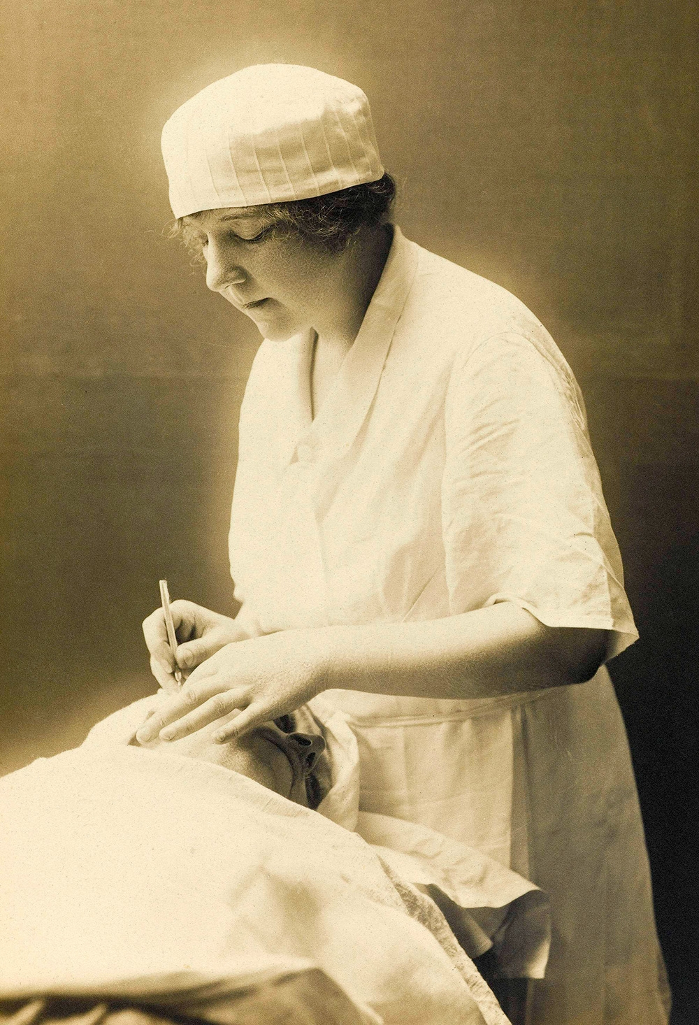 Suzanne Noel, one of the female pioneers of plastic surgery, circa 1918.