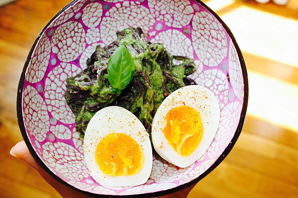 Mix Avo-Pesto + Pasta and top it off with a boiled egg