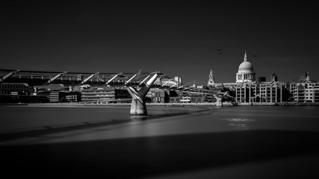 Millennium Bridge Towards St Pauls