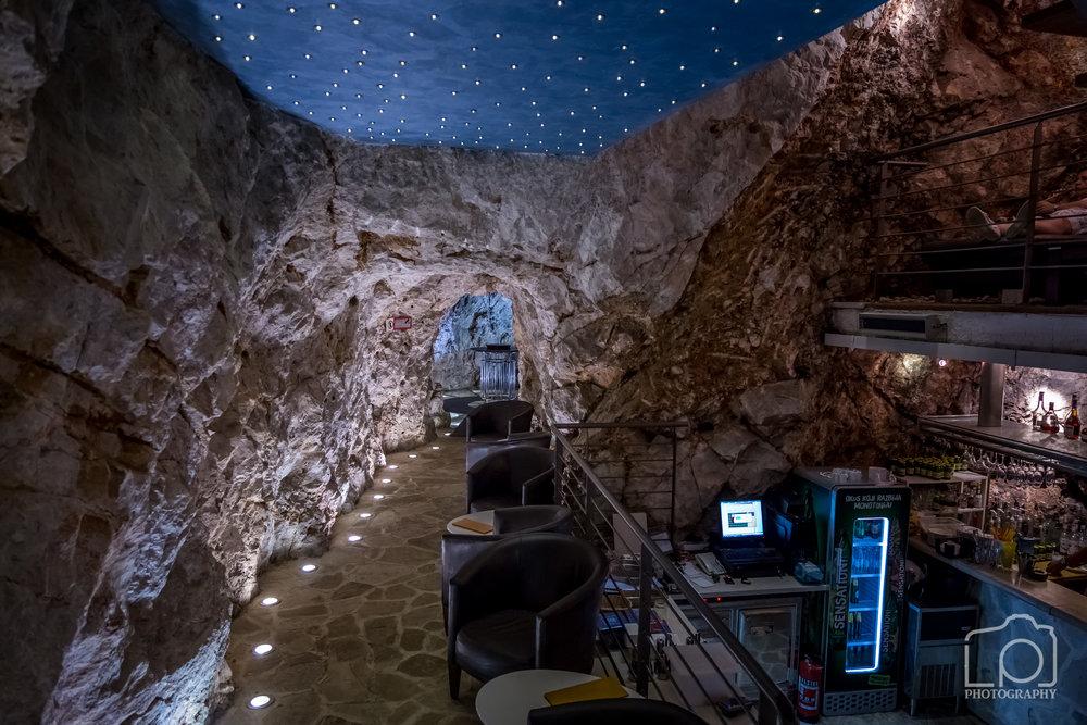 Cave Bar - 9854