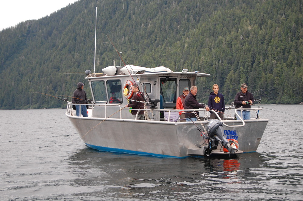 A fast modern Alaskan fishing vessel 32x12' with 24 knot cruise, heated cabin and walk around bow, has lots of room for six fishermen to catch salmon, halibut, lingcod and rockfish and enjoy the southeast Alaska wilderness.