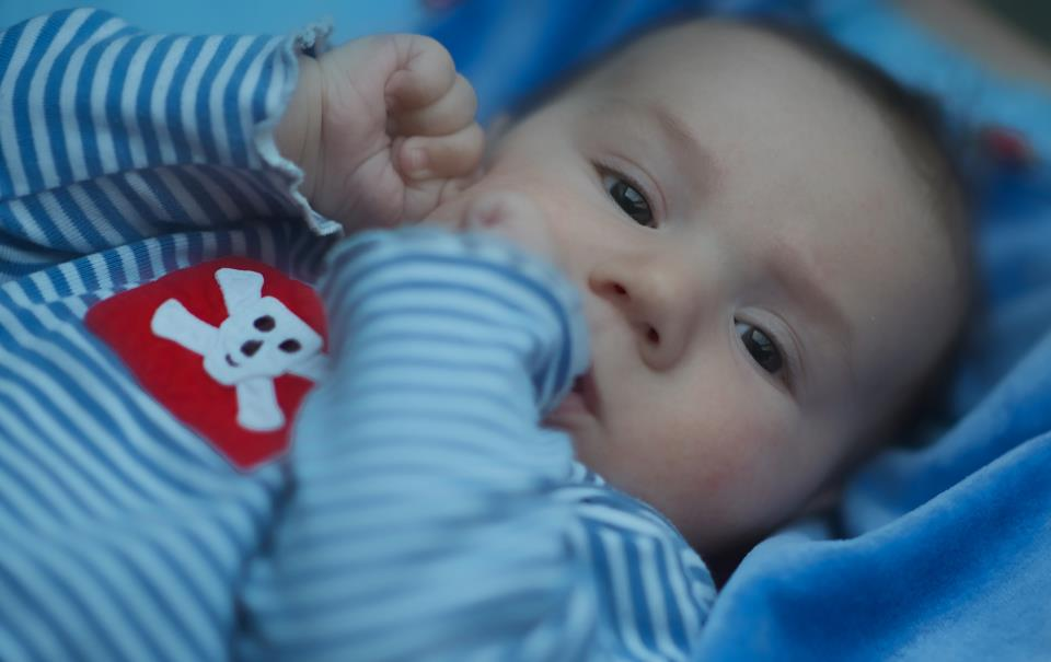 Hugo ve 3. měsících se čtyřma zubama!!