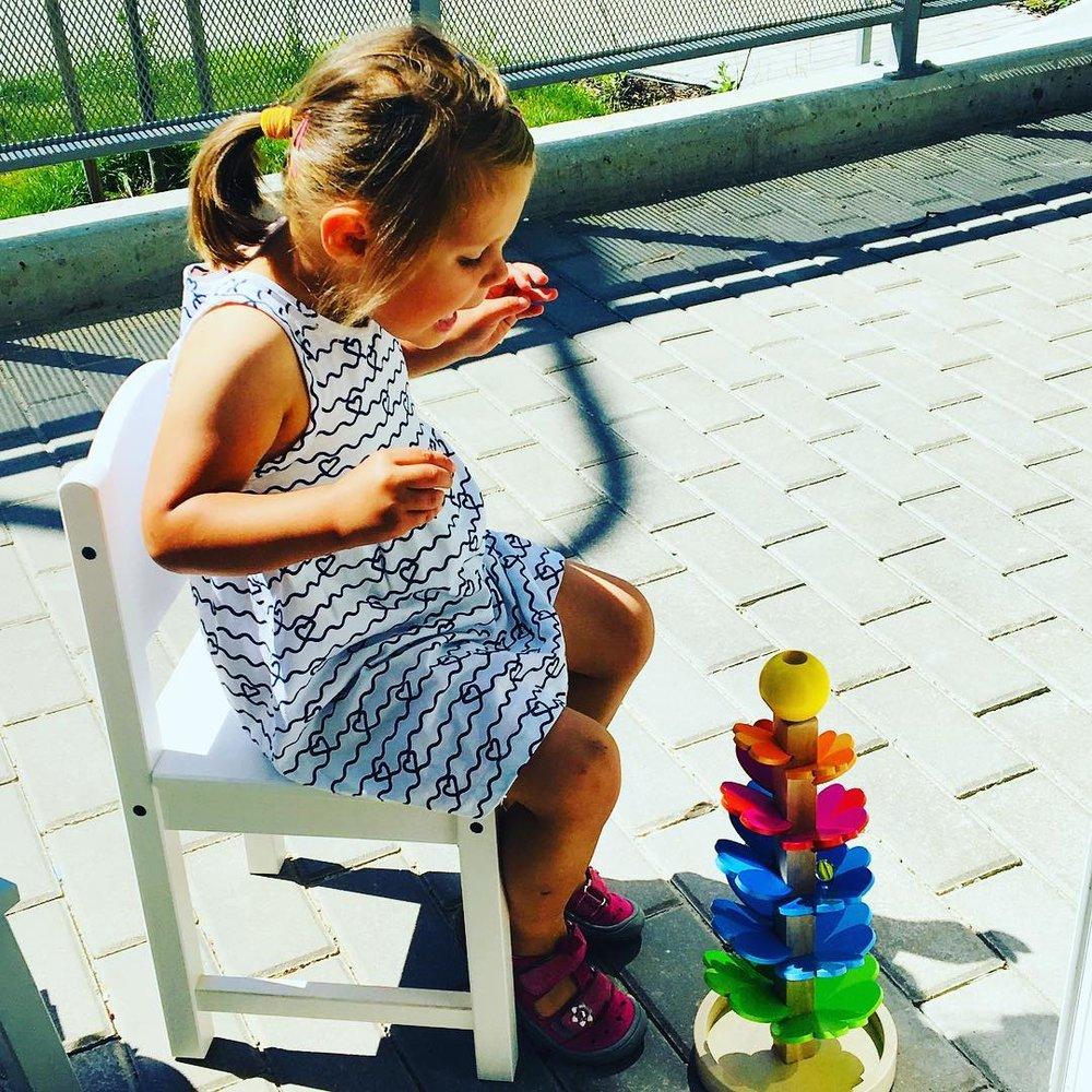 ZVUKOSTROM    Rozvíjí smyslové vnímání a motorické schopnosti dětí.