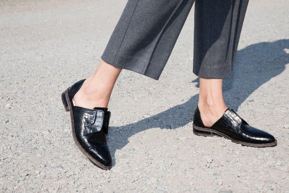 4c6a385c209 Freda Salvador WEAR Laceless D Orsay Oxford in Black Croc-