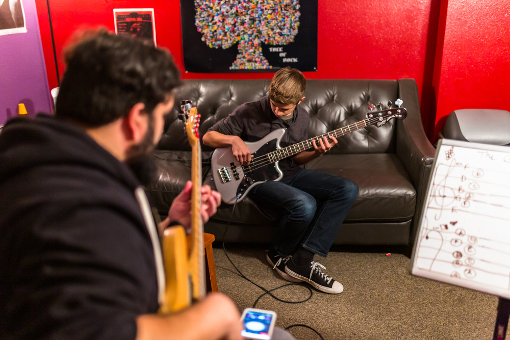 Bass Guitar Lessons - Bass players are the ultimate team members keeps the band together. Get grooving and keep people moving with our bass lesson program.