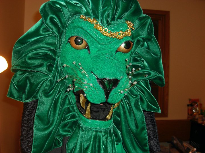 Jonathan Edwards College of Yale Green Lion Mascot Head (2010). Mixed materials.