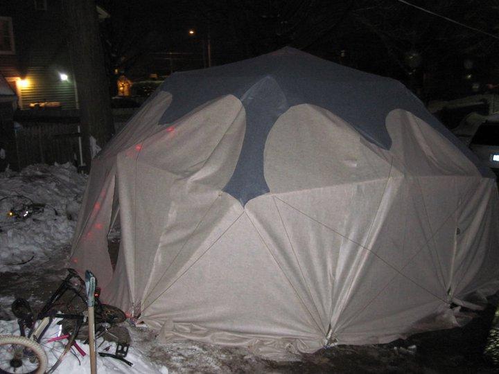 Geodesic Yurt in winter mode (2011)