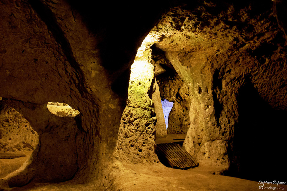 Exploring the underground city of Derinkuyu