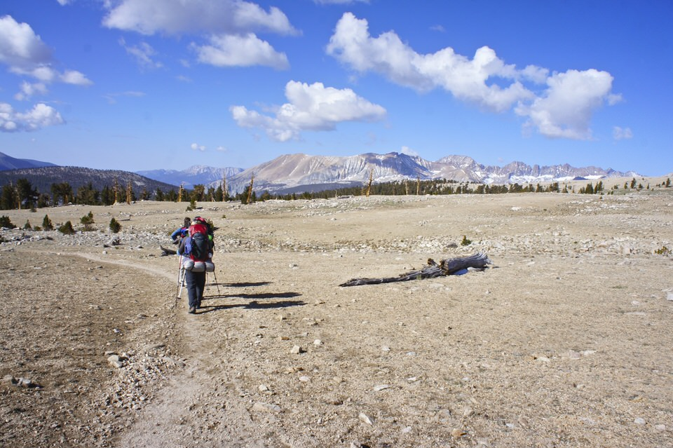 backpackers-on-john-muir-trail