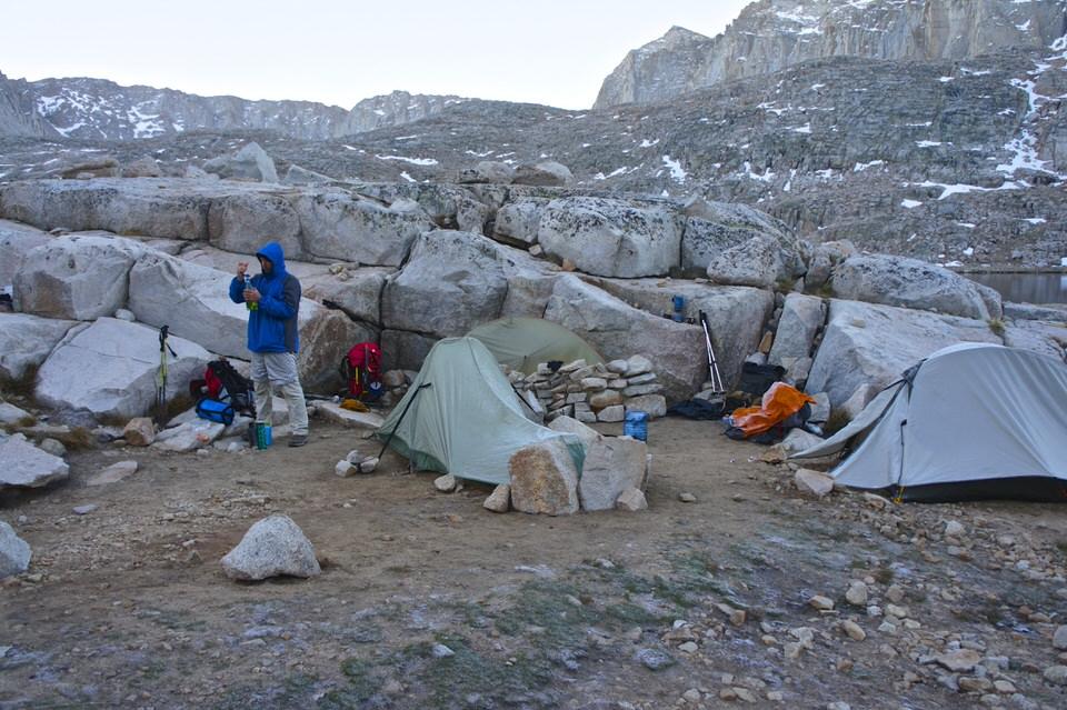 tent-camping-at-guitar-lake