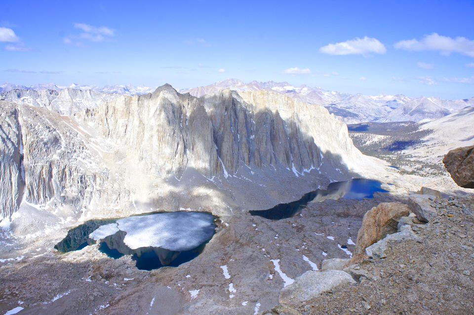 epic-view-of-sierra-nevada-mountains-from-trail-crest