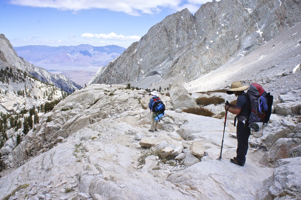 backpacker-on-mount-whitney-trail