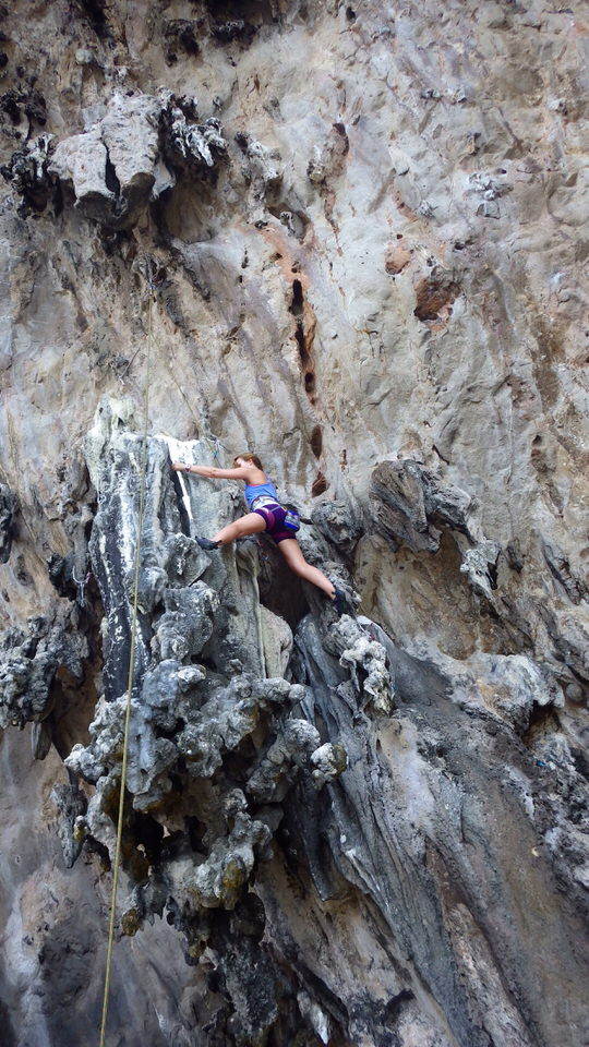girl-rock-climbing-ko-lao-liang