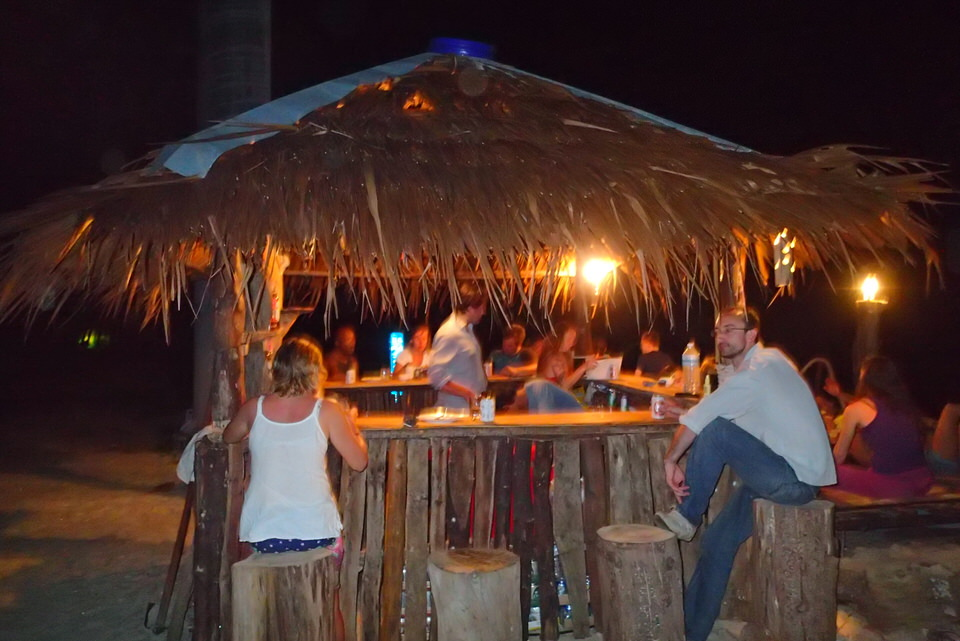 tiki-bar-at-ko-lao-liang