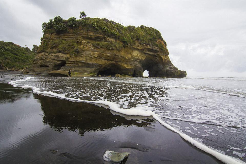 elephant-rock-tongaporutu-new-zealand-north-island