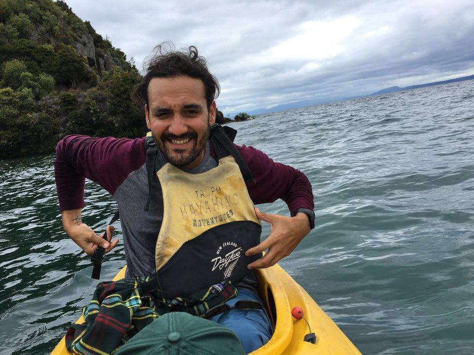 kayaking-lake-taupo-new-zealand