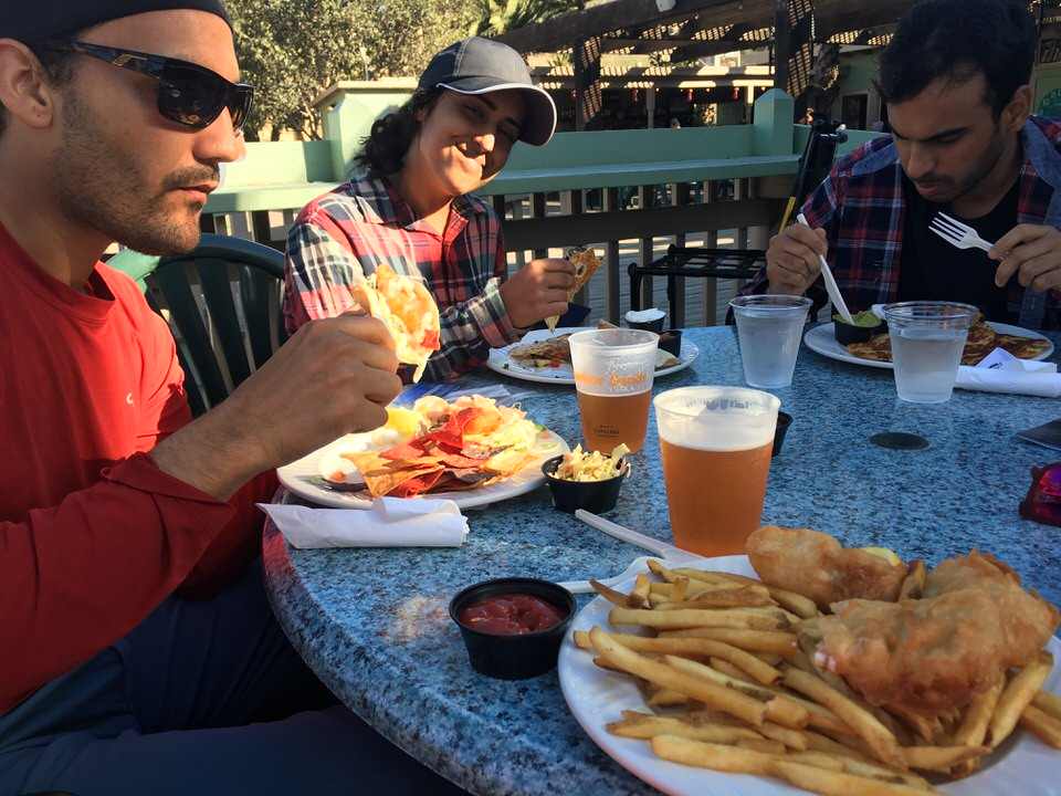 hikers-eating-two-harbors