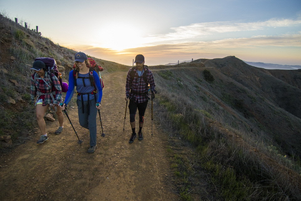 hikers-during-sunrise-trans-catalina-trail