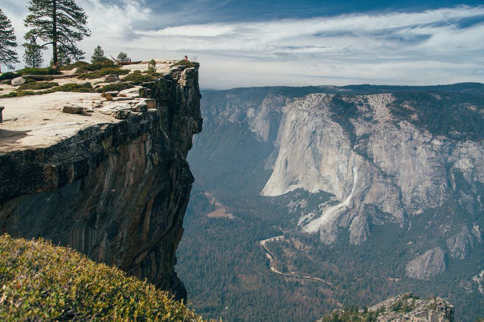 Short hike to Taft Point, but epic views of Yosemite Valley