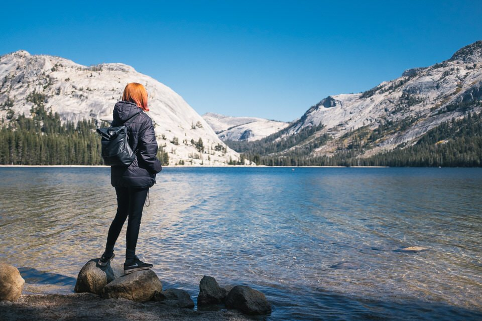 The beautiful blue Tenaya Lake area offers some amazing easy day hiking in Yosemite.