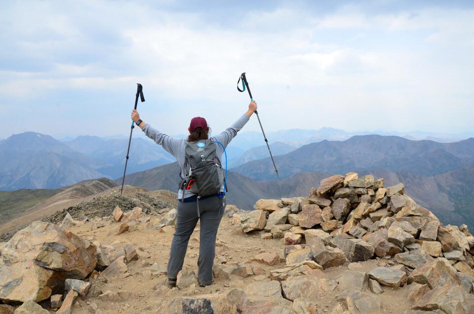 Outdoor blogger, Mara Kuhn, shares her favorite 20188 outdoor adventure of summiting Mount Elbert in Colorado.