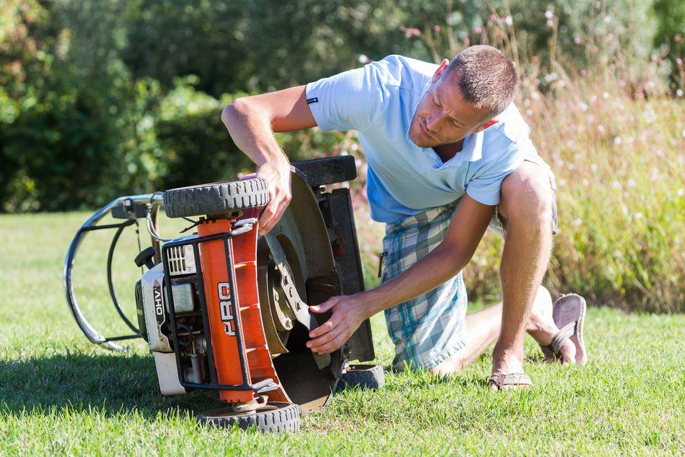 lawn mower cleaning.jpg