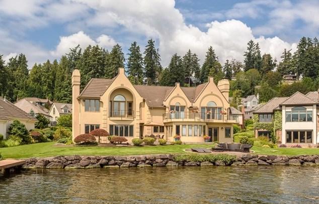8443 NE Woodland Cove Dr, Kirkland | $3,375,000
