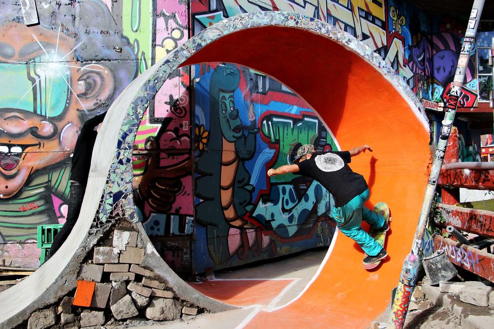 A skater inside the commune.