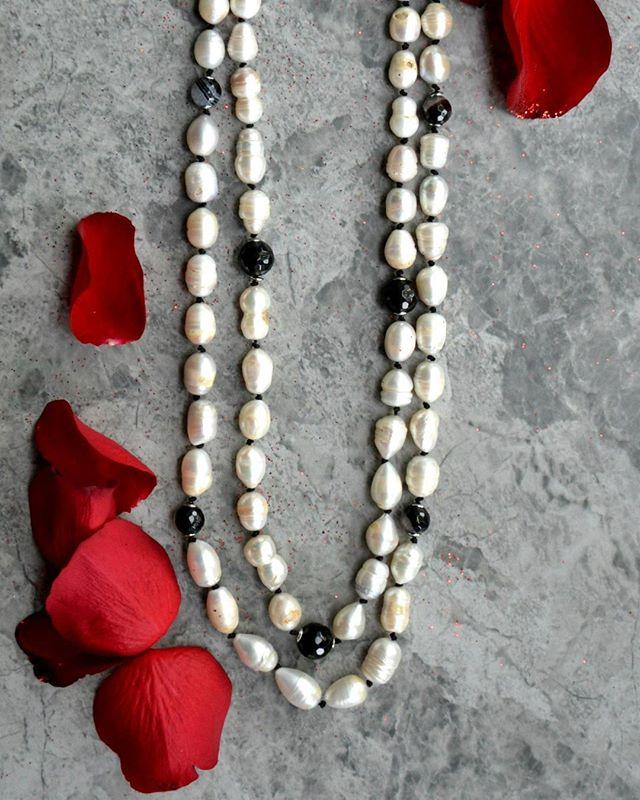 Irregular shape of pearls and black agate stripes are knotted together with silk black rope in this long length necklace. This sophisticate piece will add an elegant touch to your outfit. Match this item with similar earrings and bracelets for an outstanding look. Shop this bespoke necklace at : https://www.excessjewellery.com/shop/pearls-agate-necklace  #jewelry #jewels #toptags #jewel #fashion #gems #jewellery #gemstone #bling #likebackteam #like4like #trendy #accessories #jewelrydesign #jewellerylover #beautiful #style #necklace #fancyjewelry #instajewelry #finejewelry #cute #jewelrygram #fashionjewelry #jewelryaddict #pearls #jewelrydesign