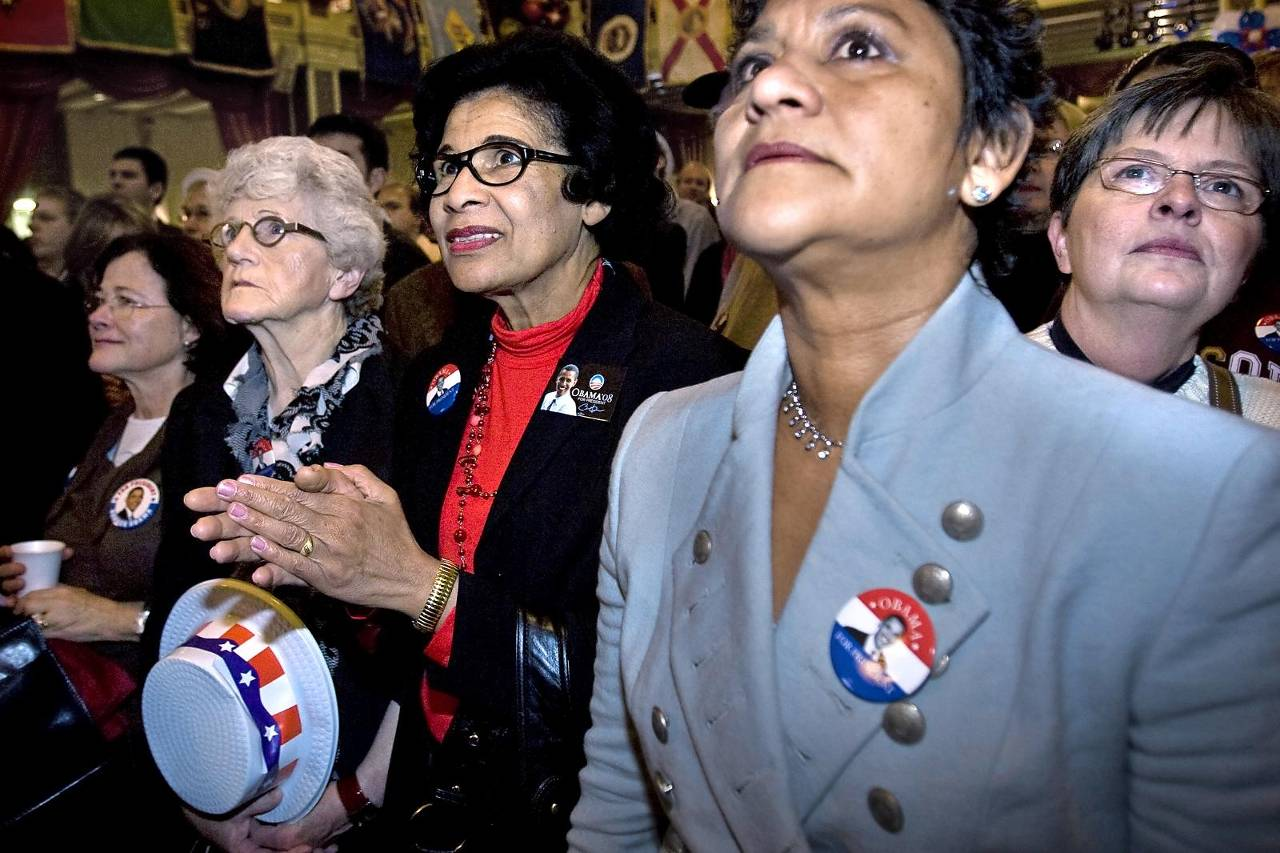 Americans living in the Netherlands at the presidential elections in 2008. Inhabitants of the Netherlands with an American passport need to declare tax in the USA