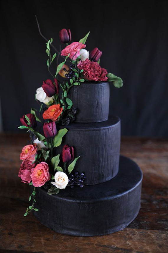 Cake Dulce Custom Cakes. Photographer Megan Noonan. Info via Evoke