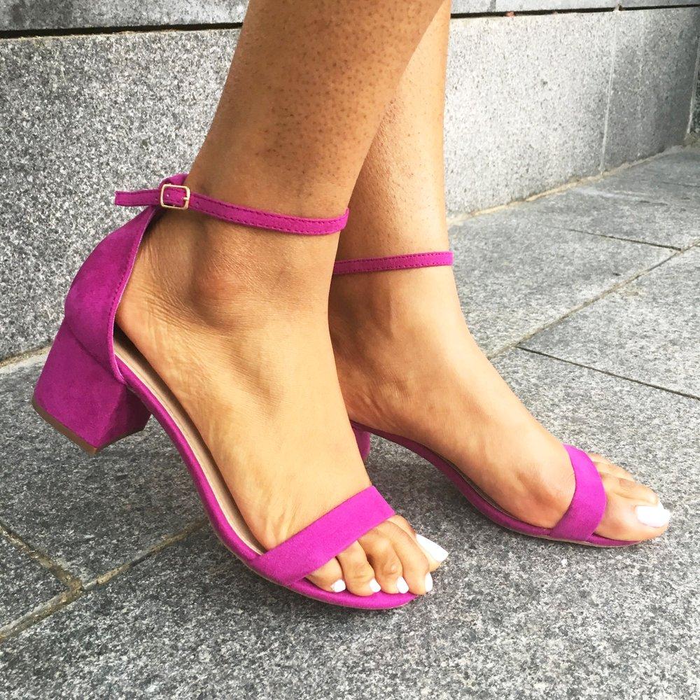 closeup-low-heels.JPG