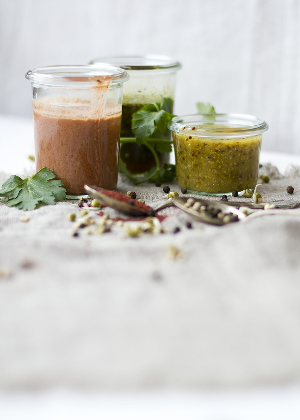 01_NOMNOM_Salat_Dressings.jpg